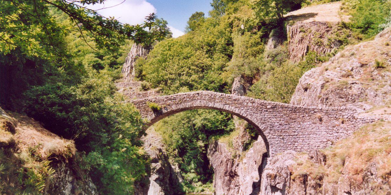 Découvrir l'Ardèche par ses rochers
